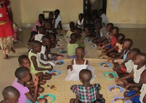 The main meal at Christmas time is usually rice, beans and lengalenga - a wild spinach grown at the orphanage. This does not differ much from other meals, but no complaints as having a meal is seen as a privilege.